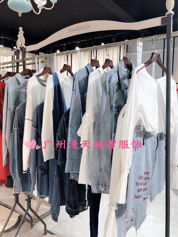 上海一线品牌拉夏贝尔秋