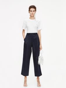 摩安珂女装MO&Co白色T恤