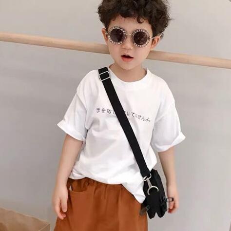 小孩子白色T恤搭配什么好看? 班尼豆童装来为你支招