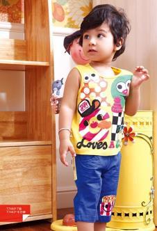 小石头婴童装T恤