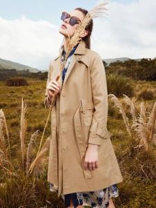 印象草原风衣