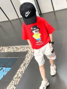 班尼豆红色T恤
