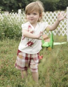 拉比婴童装