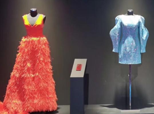 杨子联手华为打造全球首个智能手机AI与设计师合作时装系列