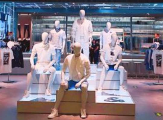 杰克琼斯国内首家Ultra极致风尚店龙湖在京亮相