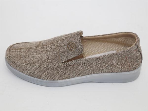 布鞋什么牌子好-布鞋生產商,推薦頤路順制鞋廠
