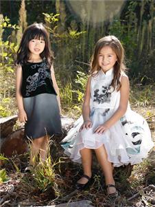 贝的屋童服新款精致连衣裙