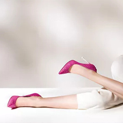 广州有没有时尚流行的高跟鞋品牌?迪欧摩尼女鞋品牌为爱而生!