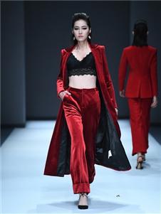 罗拉密码女装罗拉密码女装黑色时尚外套