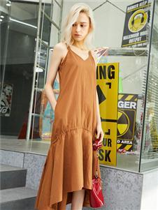 红雨鸶夏季新款吊带连衣裙