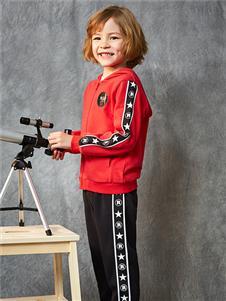 红蜻蜓童装新款男童卫衣
