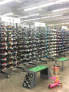 奥库运动户外超市鞋子