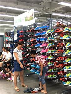 奥库运动户外超市新款鞋子
