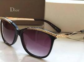 眼镜巨头霞飞诺证实Dior眼镜代理权将到期