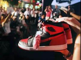 一年上涨40倍的合法生意,炒鞋正在收割年轻男人