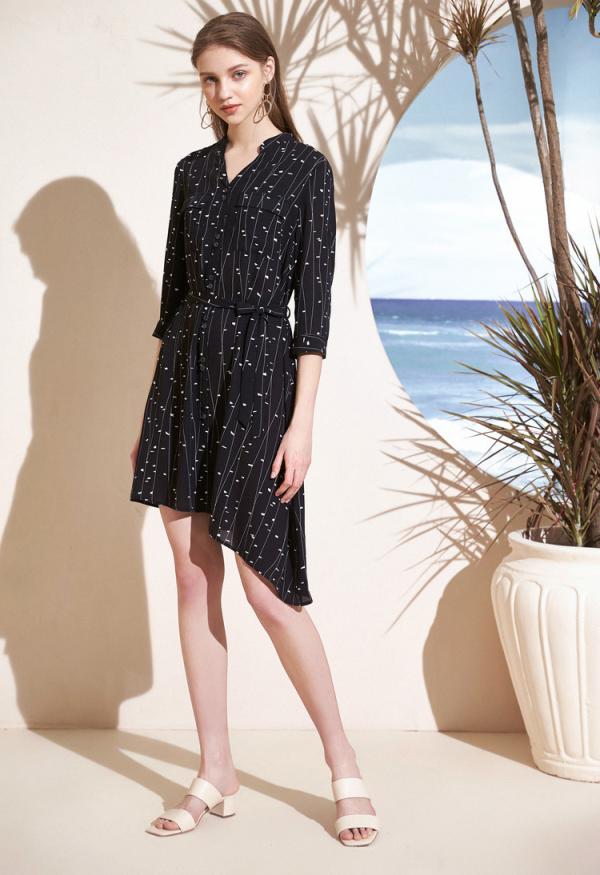 這個夏天,怎么能少了小黑裙?