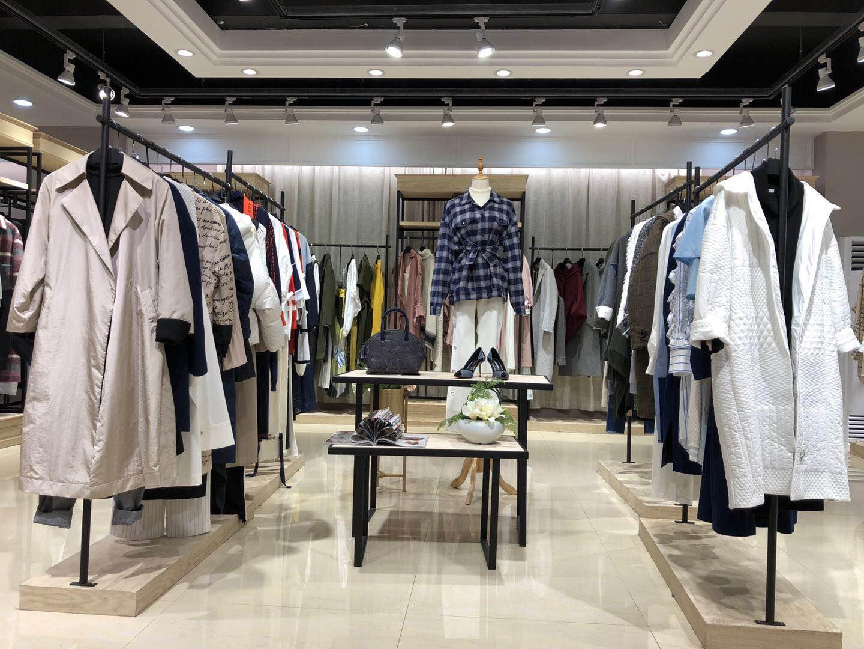 深圳轻奢品牌衣全球折扣女装在哪里拿货最便宜