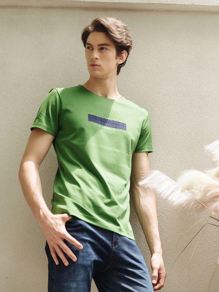 男士夏季T恤选择 卡度尼让潮流更贴近生活