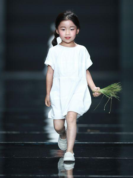 暑期潮童穿搭 NNE&KIKI陪伴孩子们快乐成长