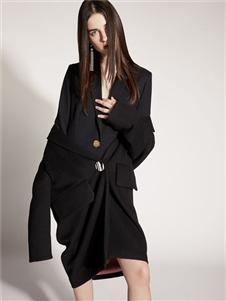 2019芮玛女装黑色大衣
