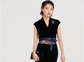 秦艺是什么风格的服装,开家秦艺时装店怎么样?