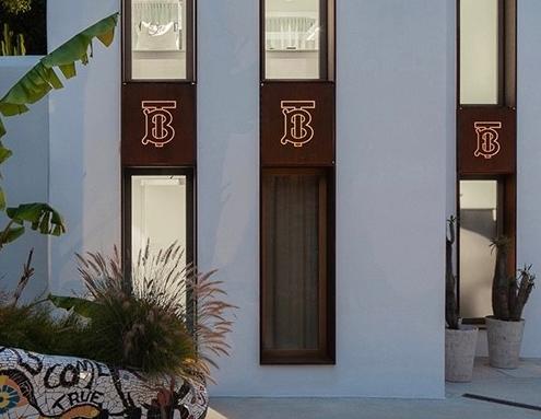 Burberry 深化改革 重塑旗下14家旗舰店视觉创意设计