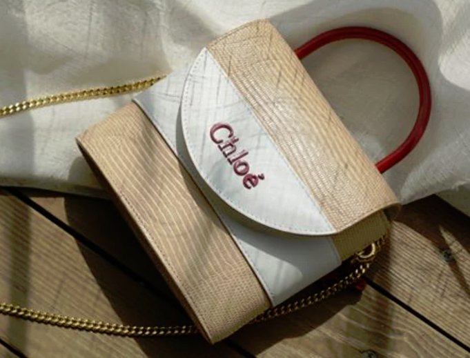 奢侈品牌热衷发布七夕限量手袋 牵手网红博主包先生