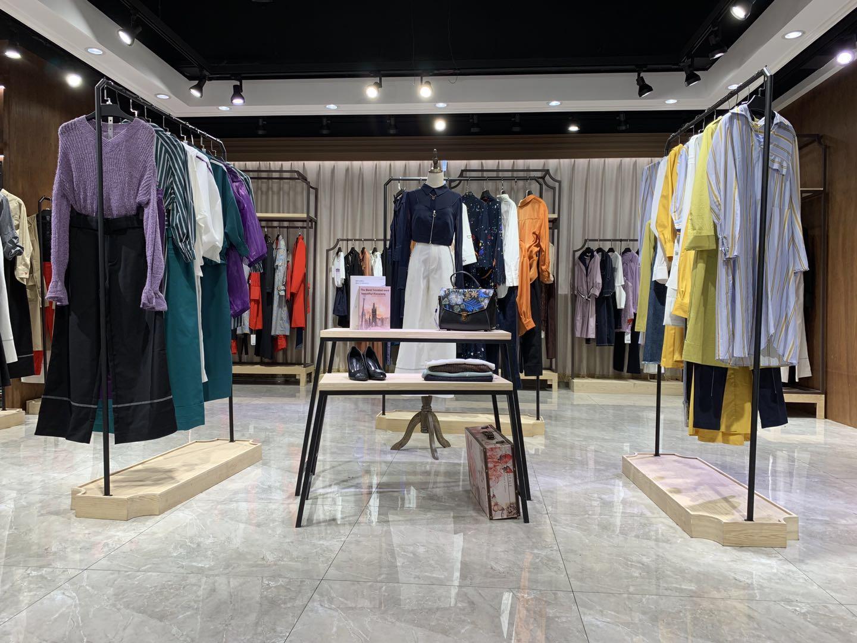 在廣州有沒有人做羽沙國際女裝品牌尾貨批發的
