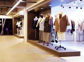 """上半年服装销售现""""分水岭"""" 为何纺织市场依旧这么差?"""