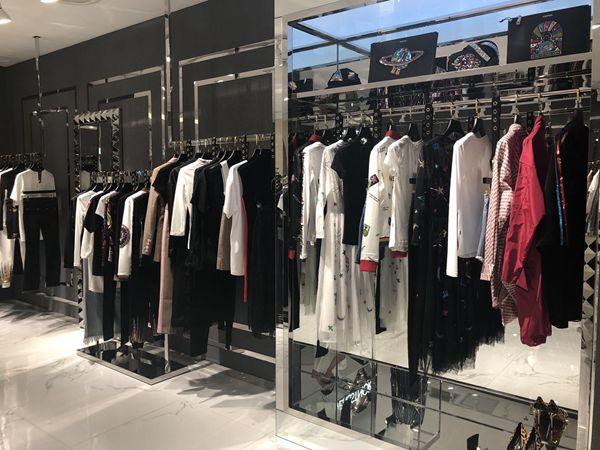 VENSSTNOR(维斯提诺)女装 店