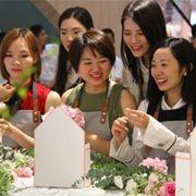 加盟花店哪个品牌好?37°生活美学女装花艺馆了解一下