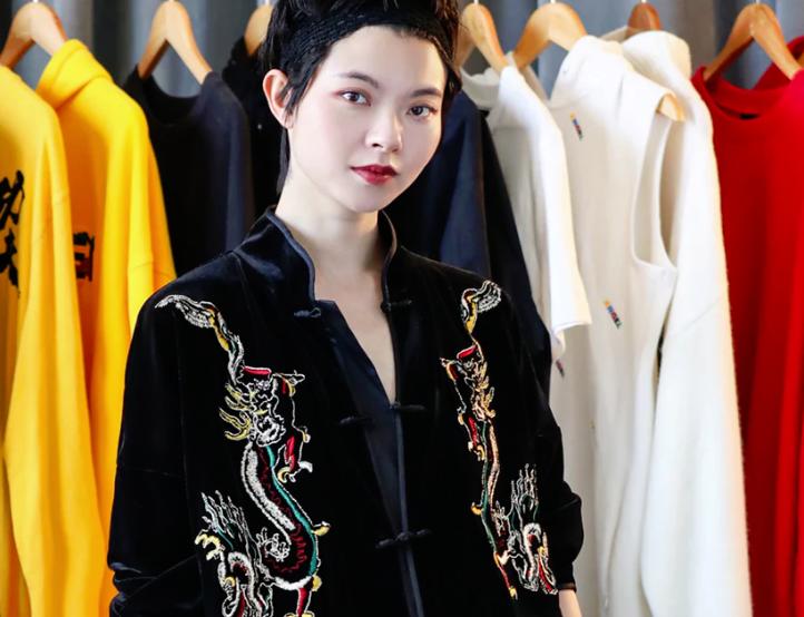 为什么H&M选择了她作为首个联♂名合作的中国设计师