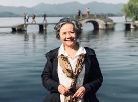 """杨光的双城记:73岁模特奶奶的""""杭漂""""生活"""