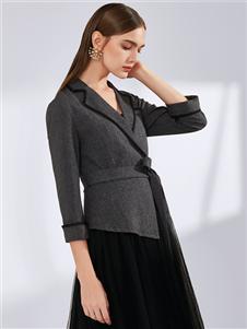 真斯贝尔时尚优雅收腰上衣