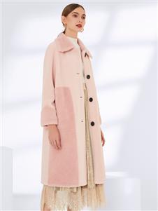 真斯贝尔新款粉色毛绒大衣