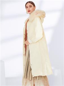 真斯贝尔新款时尚羽绒服