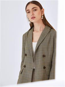真斯贝尔新款格子大衣