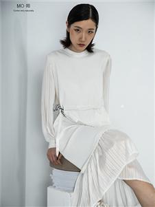 MO·陌女装新款白色连衣裙
