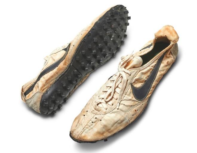 谁花了300万买一双47年历史的Nike鞋