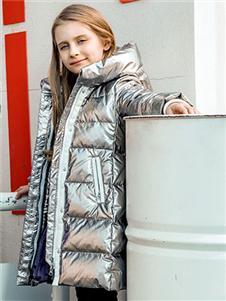 暇步士秋冬新款银色羽绒服