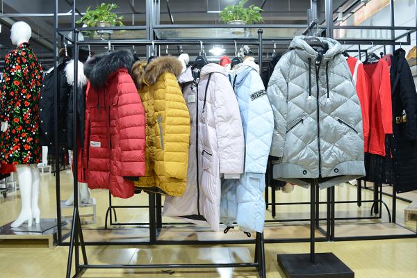 开女装店什么货品更好卖 爱弗瑞优质货源助力创业更成功