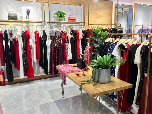 迪图DITTO女装专卖店