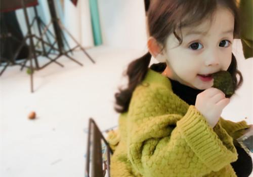 多品牌羽绒服阿哥拉姆超低优惠,品牌童装折扣批发