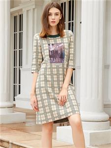 金蝶茜妮新款格子连衣裙