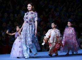 """一场时尚的穿越 蓝黛丹尼""""朝黛""""的花园四季变幻"""