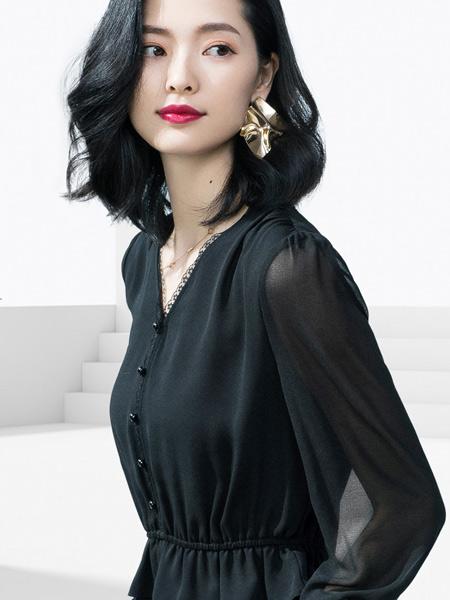 气质女装穿搭 优衣美教你选什么颜色的服装更合适