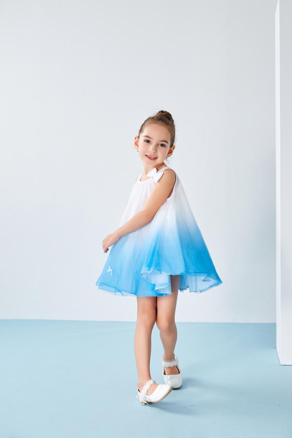 女童穿什么款式的连衣裙好看?T100童装怎么样?