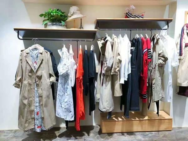 祝賀麗迪莎女裝品牌強勢入駐高碑店悅百匯商場!