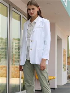 芊伊朵女装秋冬新款白大衣