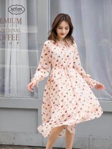 2019季候風女裝秋冬新款連衣裙